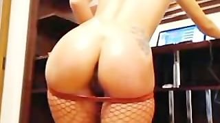 Blonde Babe With Sexy Ass Dildoing Her Anus