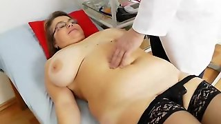 Examination, Brunette Mature, Flick, Mature Gyno, Vagina Enema, Mature Shows Pussy, Pussybrunette, Brunette Matures