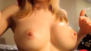 Perfect Tits On This Webcam Girl