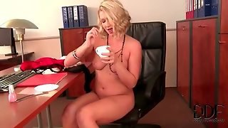 Cumshot In Her Coffee From Gloryhole Dick