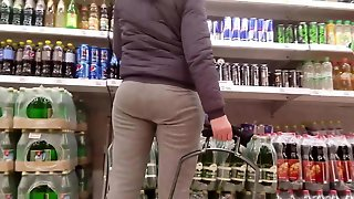 Milf With Nice Round Ass