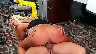 Unforgettable Office Sex With Big Titted Gorgeous Blonde Summer Brielle