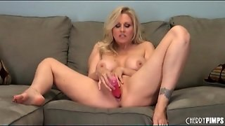 Blonde Milf Julia Ann Naked And Fucking A Toy