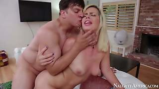 Tara Lynn Foxx Is One Naughty Blond-Haired Lady That Gets