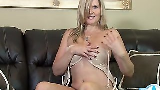 Nice Girl Homemade Swallow