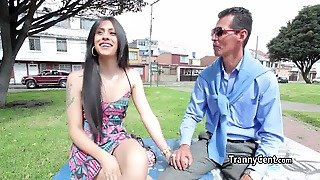 Tranny Beauty Engages In Threesome