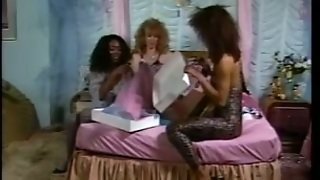 Nice Interracial Retro Threeway Fuck