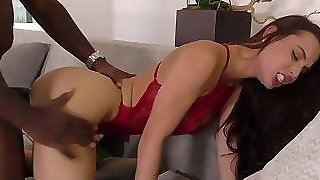 Brunette Skank Gets Rod