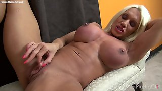 Big Boobs, Big Clits, Hd Videos, Female Muscle Network, Muscular Women, Masturbates