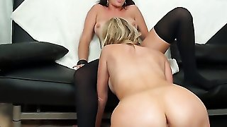 Brunette Brianna Ray And Destiny Dixon Have A Lot Of Fun In This Lesbian Action