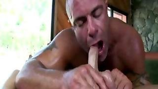 Straight Guy Gets Seduced Into Sixtynine