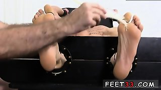 Male Muscle With Legs In Air Gay Cristian Tickled In The Tic