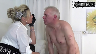 Leather Gloves, Slapping Face, Femdom Face, Gloves Femdom, German Gloves, German Slapping, Fem Dom German, Germanfemdom