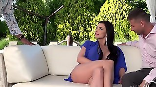 Hot Milf Aletta Ocean Relaxes Outdoors With Two Lovers