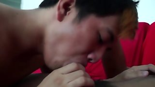 Sucking And Fucking In The Couch