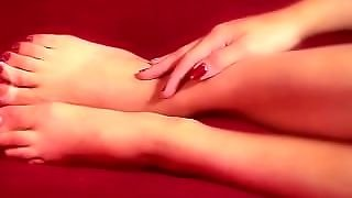 Hypnotic Feet And Toes