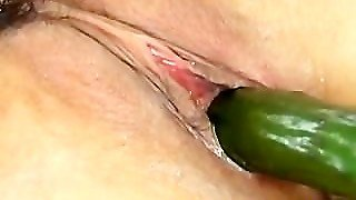 Slutty Natsumi Get Fucked With Carrot Part2