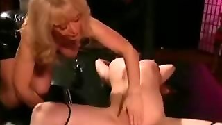 A Slave Babe Undergoes Electric Torture